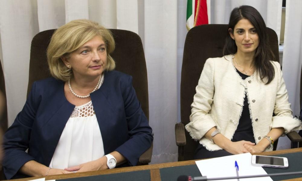 L'Assessore Paola Muraro e il sindaco Virginia Raggi